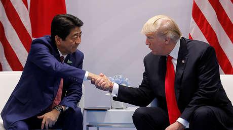El primer ministro japonés, Shinzo Abe, se reúne con el presidente de EE.UU., Donald Trump, en el marco de la pasada cumbre de líderes del G20.