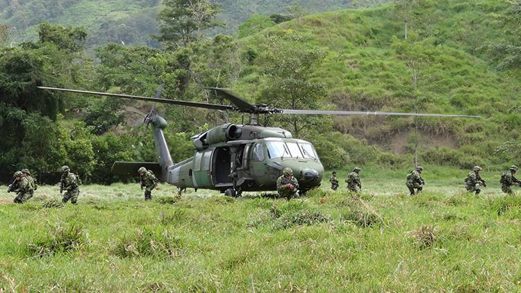 Colombia amplía su presupuesto militar y destina más efectivos a su frontera con Venezuela