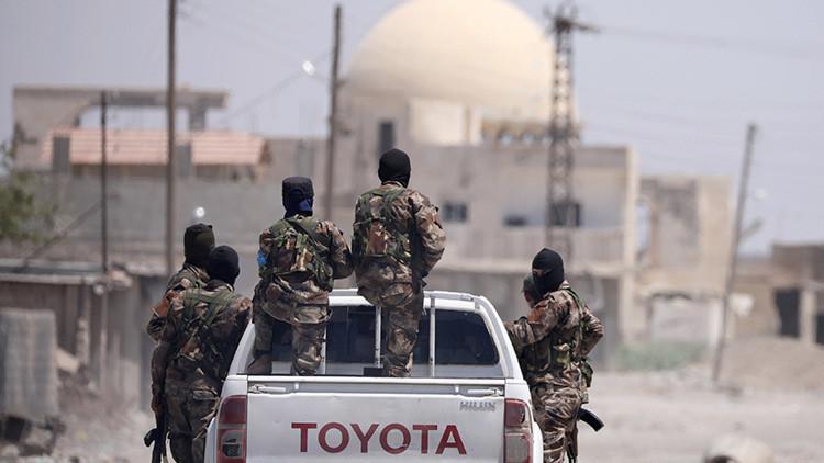 Las milicias kurdas, imparables: El Estado Islámico pierde el control de dos barrios clave de Raqa
