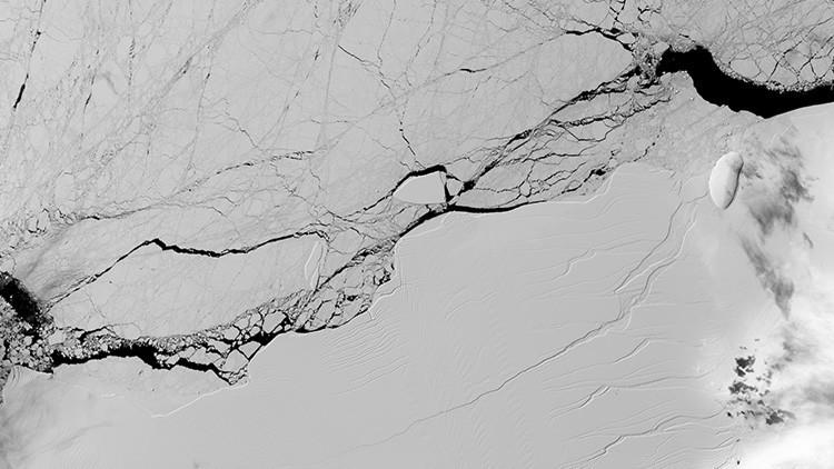 Nuevas grietas en la plataforma glacial Larsen C alertan a los científicos (FOTOS)