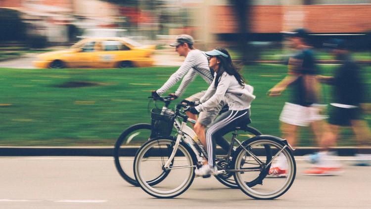 Científicos: Ir a trabajar en bicicleta disminuye el estrés