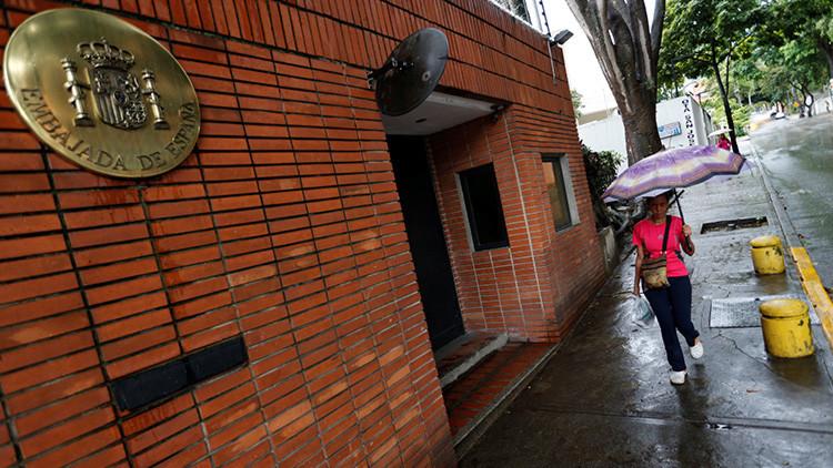 Investigan un ataque contra la Embajada de España en Caracas