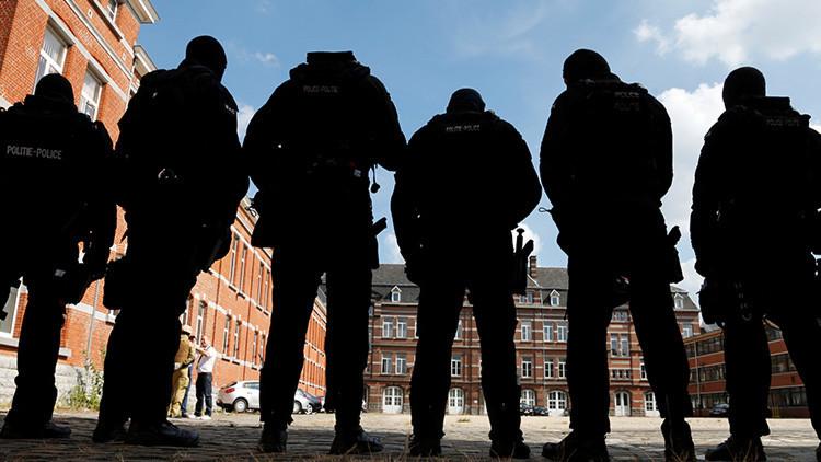 Campaña de la Europol incluye 'topless' de uno de los delincuentes más buscados de Europa (FOTO)