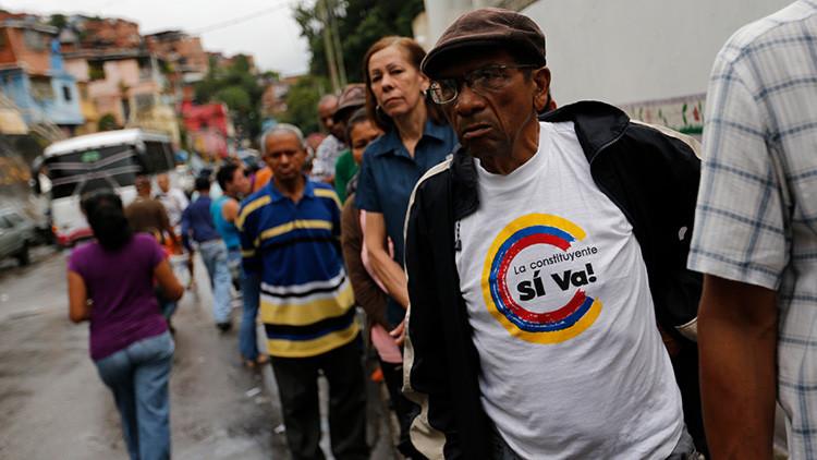 """Ministro de Comunicación a RT: """"En Venezuela se está produciendo un mega 'fake news'"""