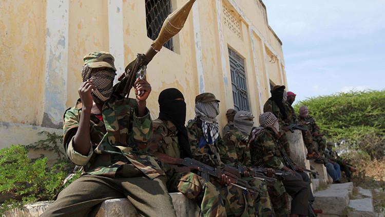 Al menos 5 muertos en un ataque con coche bomba en Mogadiscio