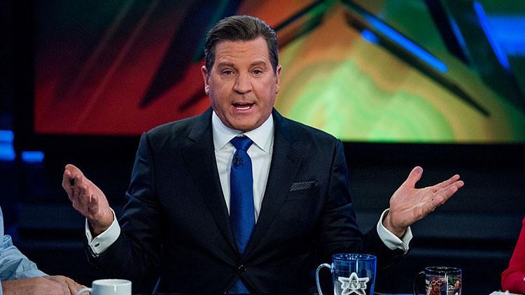 Fox News suspende a un presentador por enviar imágenes inapropiadas a compañeras de trabajo