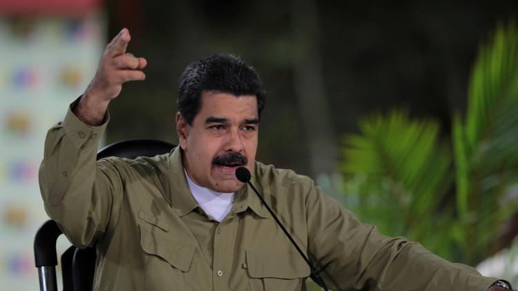 """Maduro confirma que """"ataque terrorista"""" contra la base militar dejó dos muertos"""