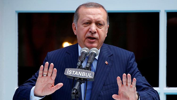 """""""Como en Guantánamo"""": Turquía introduce uniformes para los acusados de golpismo y terrorismo"""