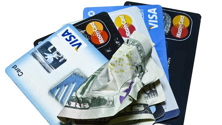 Las deudas de tarjetas de crédito en EE.UU. alcanzan un nivel histórico