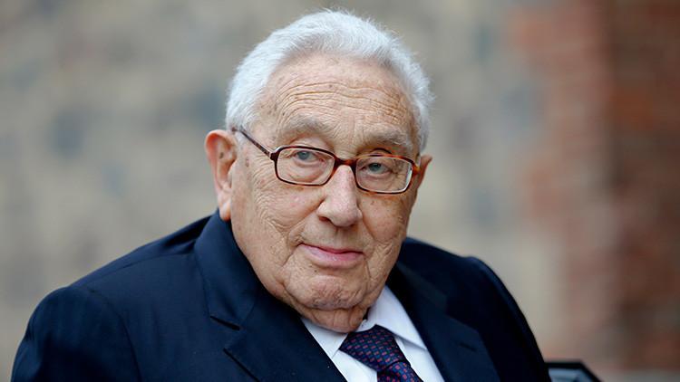 """Kissinger advierte que la destrucción del Estado Islámico podría llevar a un """"imperio iraní radical"""""""