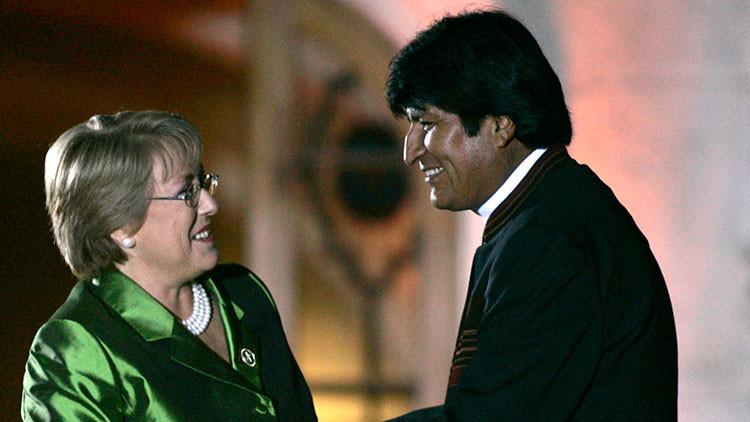 """Evo Morales: """"Bachelet está secuestrada por un grupo de oligarquías que vienen del pinochetismo"""""""