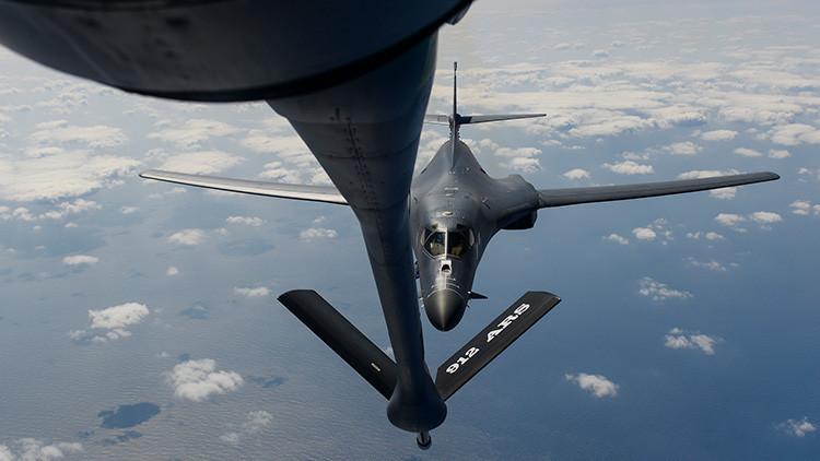 """Los bombarderos B-1 de EE.UU. llegan a Guam y están """"dispuestos a luchar esta noche"""""""