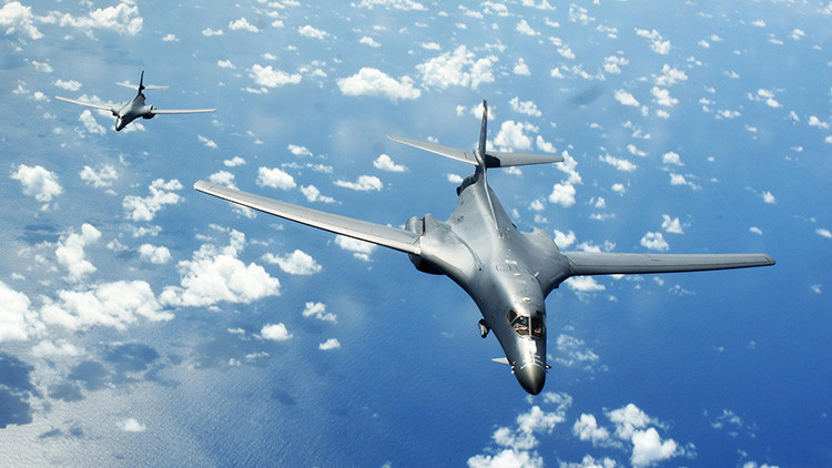 Dos bombarderos estratégicos de EE.UU. sobrevuelan Corea del Sur