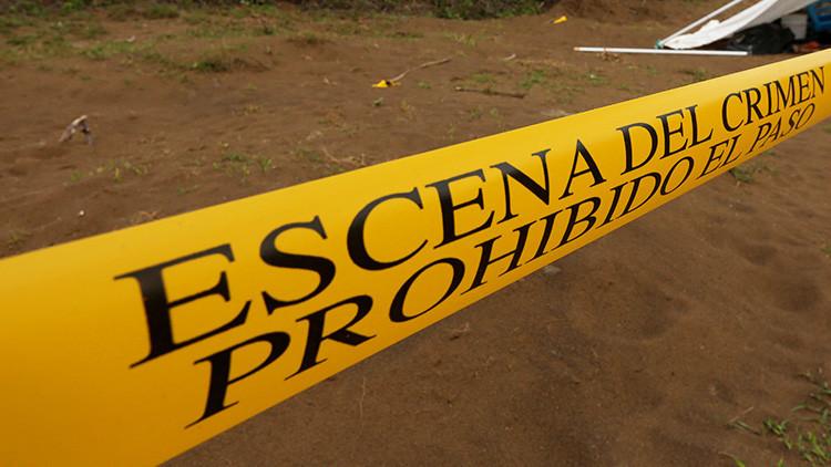 VIDEO: Encuentran unas hieleras con restos humanos frente a una iglesia en Acapulco