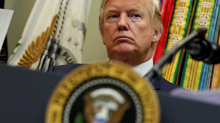 """""""En Washington todos actúan como si Trump no fuese el presidente"""""""