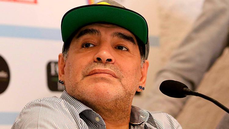 """Maradona le responde a Capriles: """"La diferencia entre vos y yo es que yo no me vendí nunca"""""""