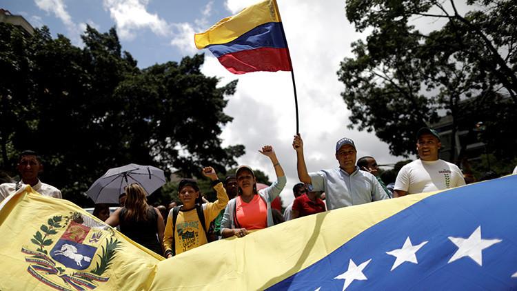 """Venezuela estima que la amenaza militar de Trump """"es un acto de locura"""""""
