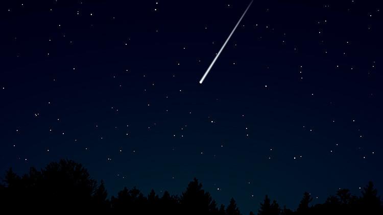 VIDEO: Un estadounidense halla un meteorito en llamas en su patio trasero