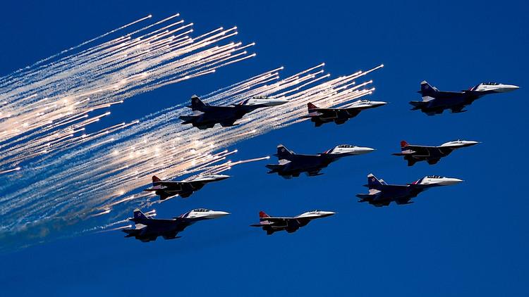 La aviación rusa surca el cielo en una gran celebración del Día de las Fuerzas Aeroespaciales