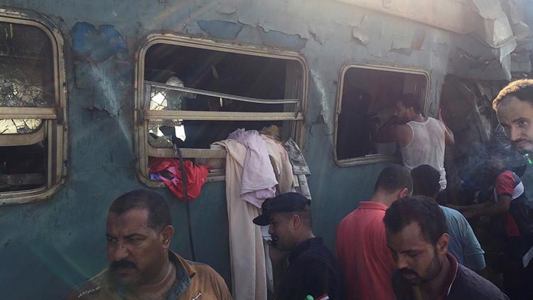Un funcionario muere al ver las víctimas del choque de trenes en Egipto