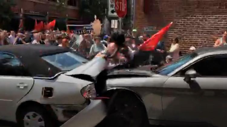 FUERTE VIDEO: Momento exacto en que un auto arrasa a la multitud 'a la manera del EI' en EE.UU.