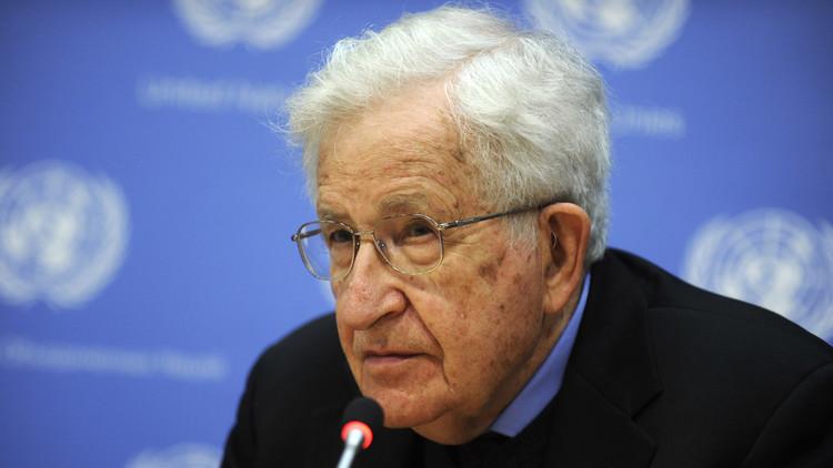 'Réquiem por el sueño americano': Chomsky desgrana cómo las élites de EE.UU. tomaron el poder