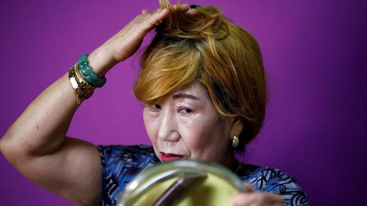 FOTOS: La abuela surcoreana que se convirtió en estrella de YouTube con sus tutoriales de maquillaje