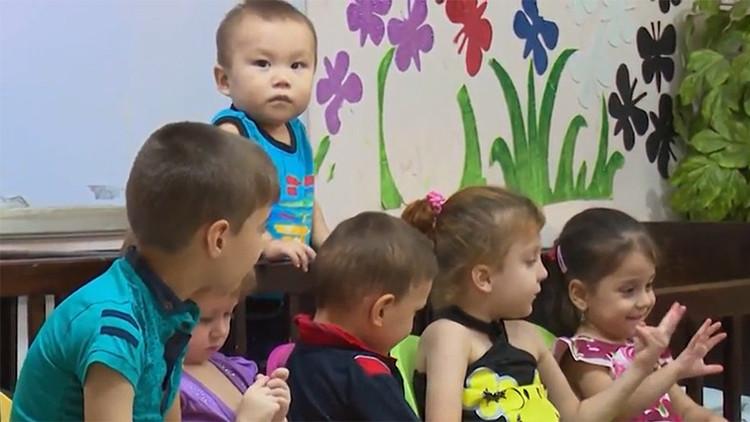 RT ayuda a los niños rusos liberados del EI en Irak a encontrar a sus parientes