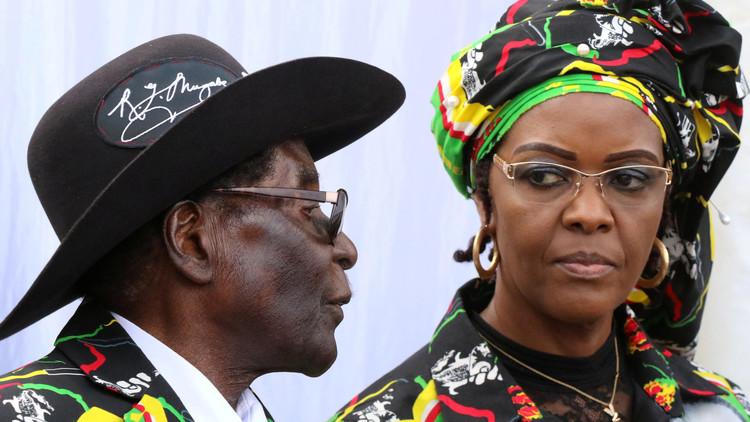 Primera dama en apuros: denuncian a la esposa de Rubert Mugabe por agredir a una modelo (Fotos)