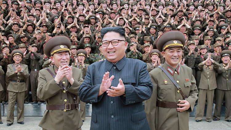 """""""Trump debería invitar a Kim Jong-un a Washington"""" (y no para vestirlo con un uniforme naranja)"""