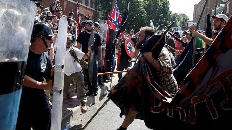"""""""Una repugnante mentira"""": Trump niega haber equiparado a los neonazis y al KKK con los antifascistas"""