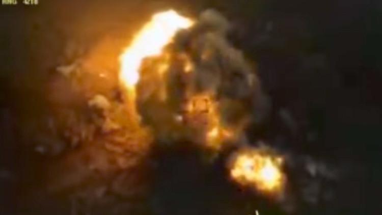 Video: Aviones rusos destrozan una columna del Estado Islámico en Siria