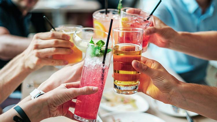 ¿Por qué se recomienda diluir el whisky con agua?