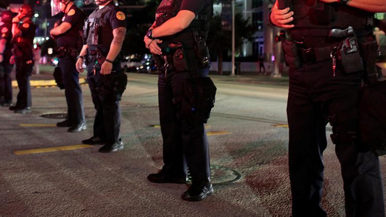 EE.UU.: Operativo policial de gran escala tras el asesinato de dos oficiales en Florida (VIDEO)