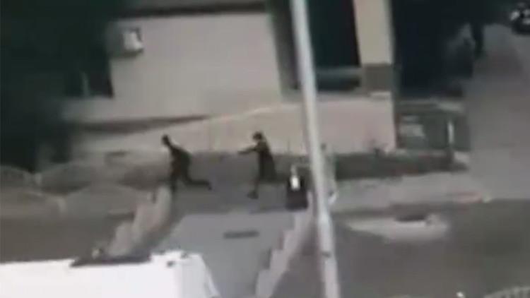 Un video de cómo la Policía abate al atacante de Surgut aparece en las redes