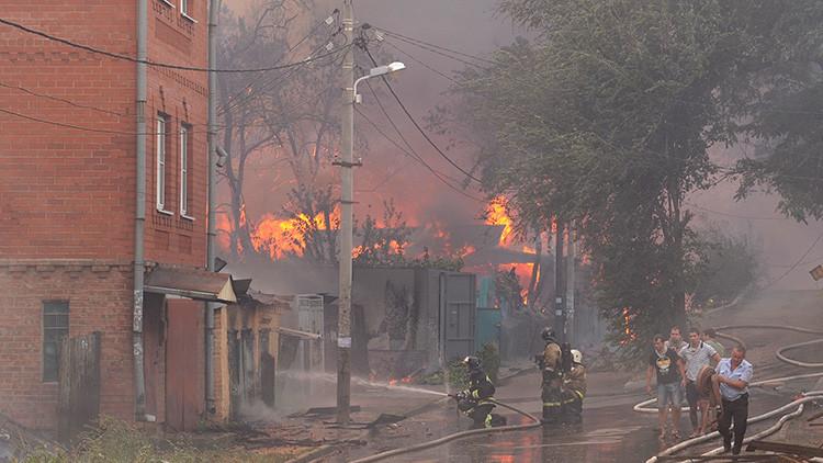 Decenas de casas afectadas: Más de 45 heridos por un fuerte incendio en Rusia