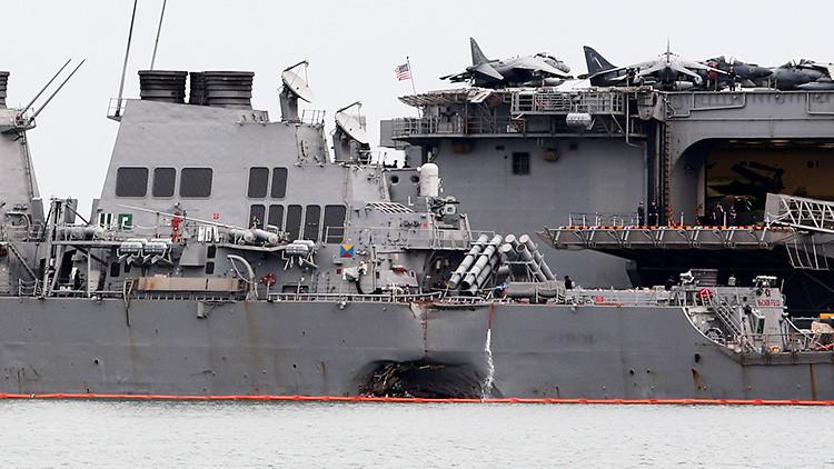 Descubren restos de marinos desaparecidos a bordo del destructor que colisionó en Singapur