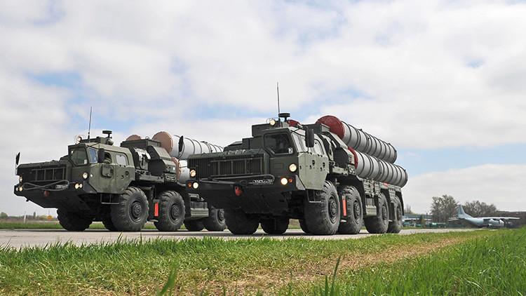 Turquía firma un contrato con Rusia para adquirir sistemas de misiles rusos S-400