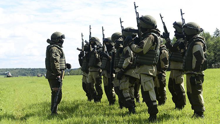 ¿Por qué no se utilizan extras de cine en los ejercicios militares rusos?