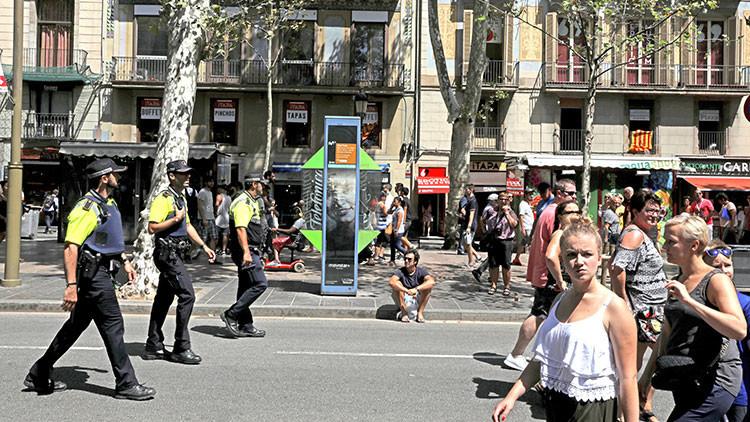 Barcelona aumentará la presencia policial y pondrá obstáculos para vehículos en zonas peatonales