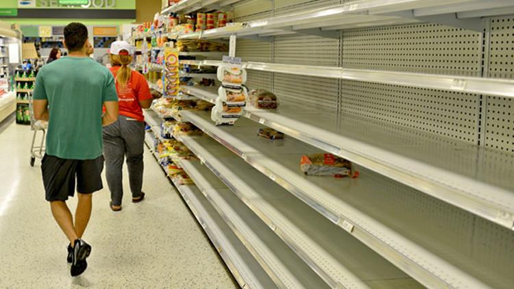 FOTO: El conmovedor mensaje de un supermercado al retirar los productos extranjeros de sus estantes