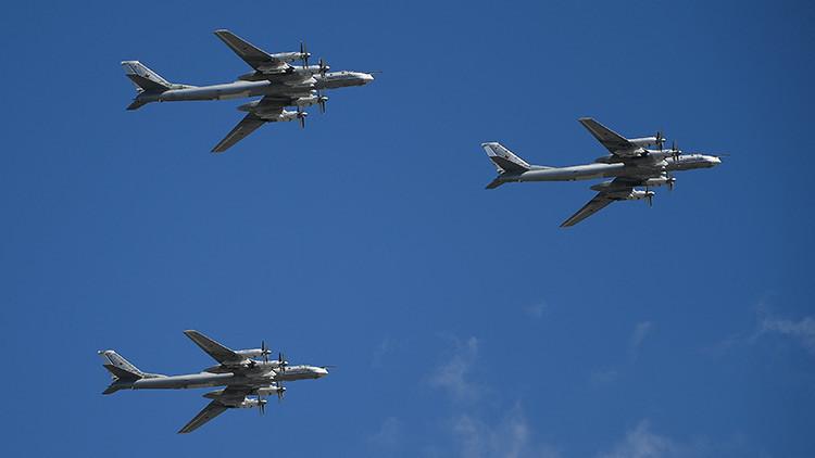 Bombarderos rusos sobrevuelan el océano Pacífico en la zona del mar del Japón