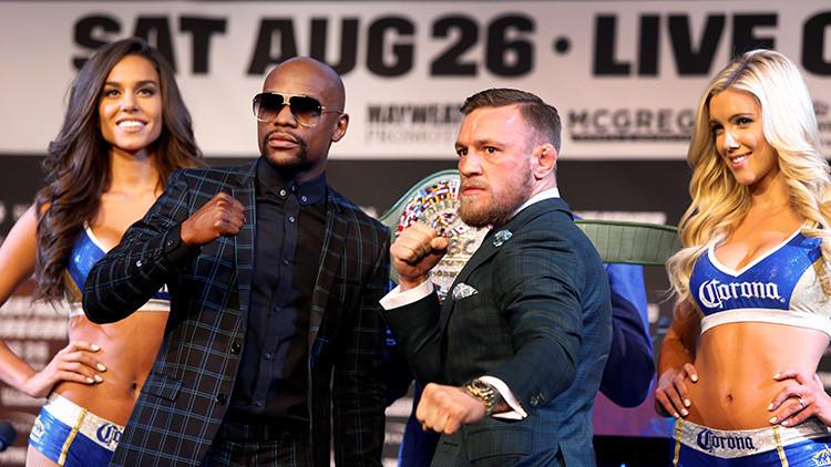 VIDEO, FOTO: La presentación del cinturón del combate Mayweather-McGregor vive un momento incómodo