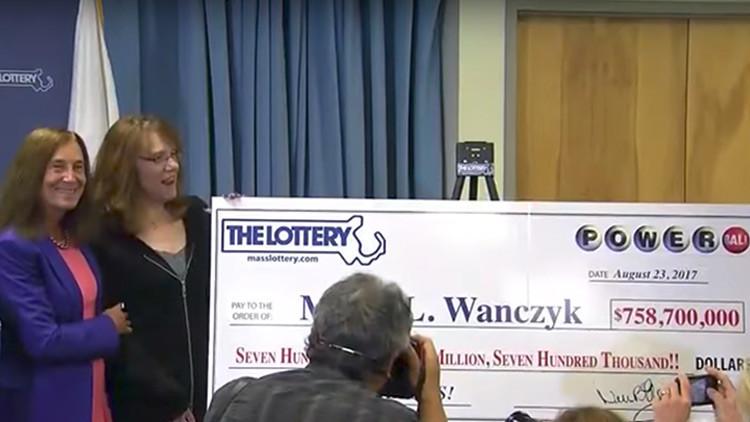 Gana 758 millones de dólares en la lotería y de inmediato deja su trabajo