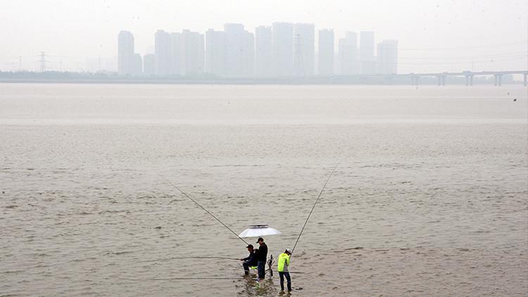 China pone en marcha un proyecto millonario para limpiar las aguas altamente contaminadas del país