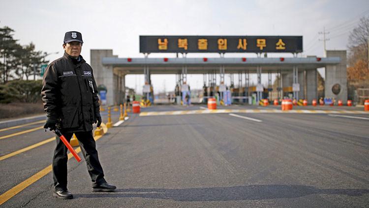 China invita a Rusia a participar en el arreglo pacífico de la crisis en la península coreana