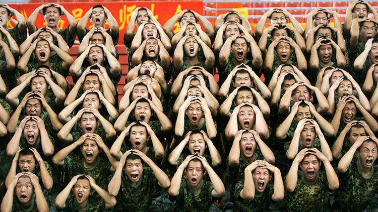 """""""Dejen de masturbarse"""": El Ejército chino emite recomendaciones para sus reclutas"""