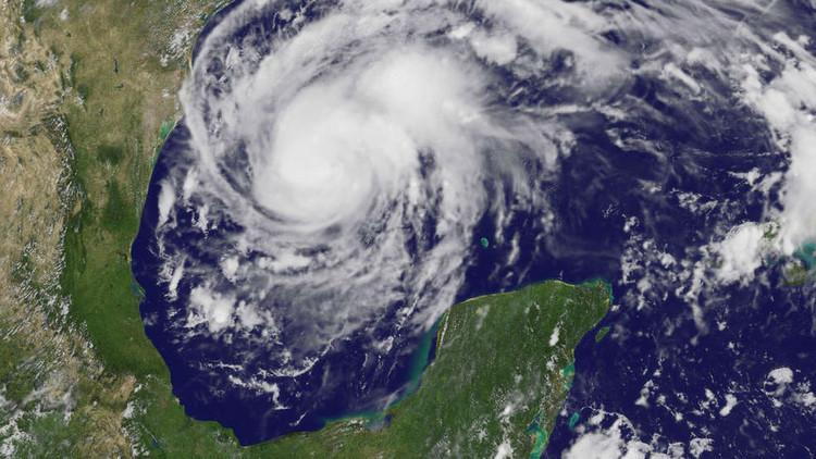 FOTOS, VIDEOS: Así es la aproximación del huracán Harvey a Texas desde el espacio
