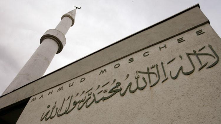 """Un imán que pide a Alá que """"destruya cristianos"""" recibió ayudas sociales de Suiza durante 13 años"""