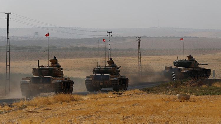 Turquía incrementa su presencia militar cerca de las fronteras con Siria
